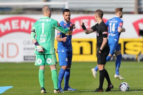KLIPPE: Marc Vales var en klippe i Sandefjords forsvar mot Rosenborg, men det hjalp lite. Guttane tapte kampen etter to billige mål.
