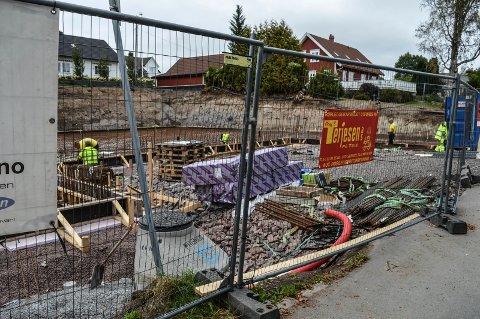 BOLIG: Byggingen av de 13 leilighetene i Frederik Stangs gate er i full gang.