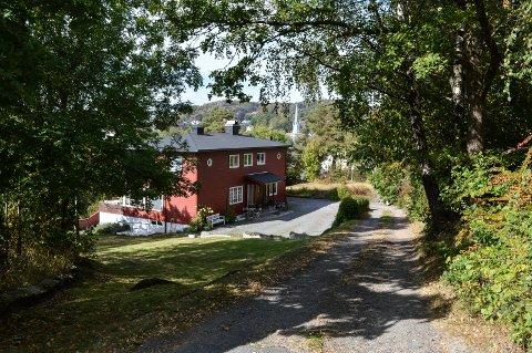 FORTETTING: Den eldre villaen i Prestegårdsveien 5 skal rives, og erstattes av 18 leiligheter.
