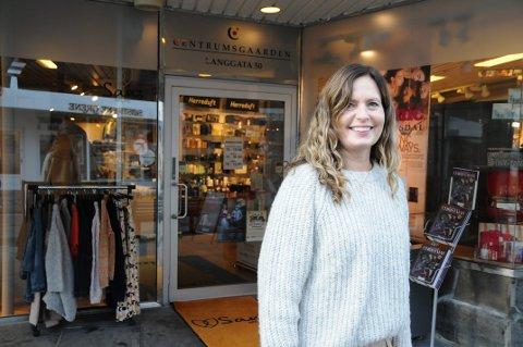 IKKE HELSVART: Anette Nese Storhaug velger å gi en del av omsetningen til Byprestene framfor å hive seg på Black Friday-trenden.
