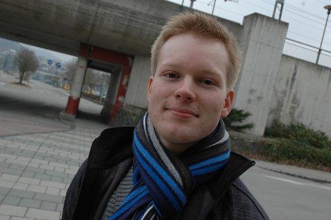 FOR MYE MOBBING: Leder av Sandnes Unge Høyre, Håkon Block Vagle, mener det er for mye mobbing i Sandnes-skolen. Nå vil han ha et eget mobbeombud i kommunen.
