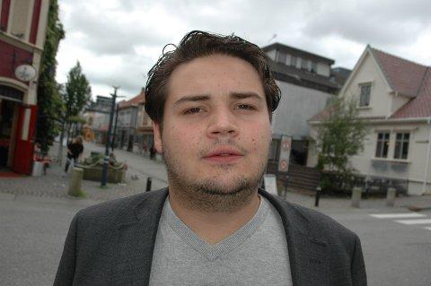 VIL HA SVAR: Kristoffer Birkedal (Frp) vil ha klart svar på hva sandnesskoler med mye mobbing gjør for å bekjempe problemet.