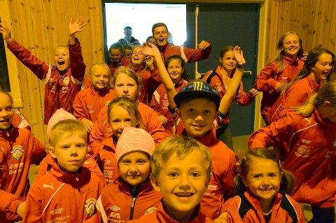 KAMP: 240 håndballspillere fra Ganddal IL kjemper om å få mest mulig tid i Sørbøhallen. – Så kommer den interne kampen om hvem som skal få trene når, sier trener Erik Evensen.