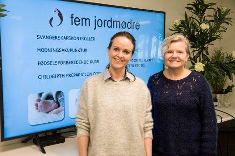 NYTENKENDE: Reidun og Åshild i Fem jordmødre er klar til å sende fødselforberedende kurs live.
