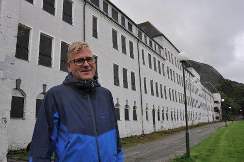 Ole Tom Guse sier de har flere planer for Dale. De vil satse på boligutbygging, men i noe mindre skala enn tidligere planlagt.