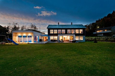 INTERESSE: Det har meldt seg flere interessenter til den herskapelige Hommersåk boligen og det vi bli gjennomført flere visninger den nærmeste tiden.