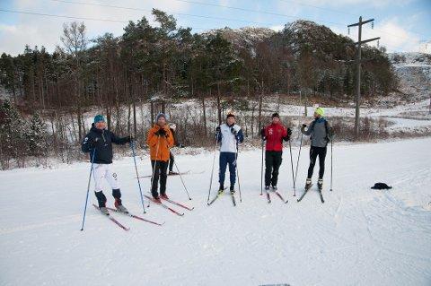 BEFARING: Odd Willy Støve, Jørn Vølstad, Audun Laugaland, Tormod Bjørkli, Stian Philip Andersen fra Park, idrett og vei hadde befaring i løypene da Sandnesposten var innom.