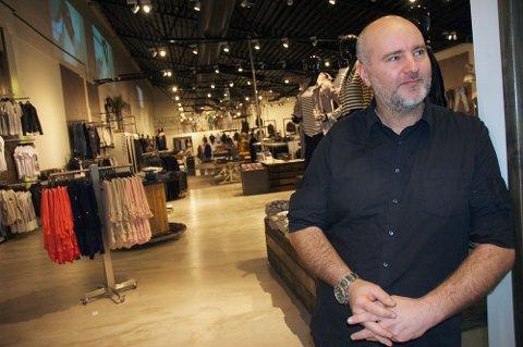 Butikksjef hos Agenda Aleksander Cooper i forbindelse med åpning på Maxi i 2014.