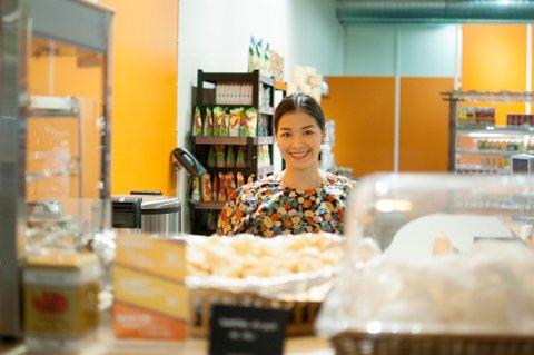 Camilla gleder seg over at Maki Market endelig er åpnet på Lurabyen, bare noen meter fra restauranten hun startet for fire år siden.