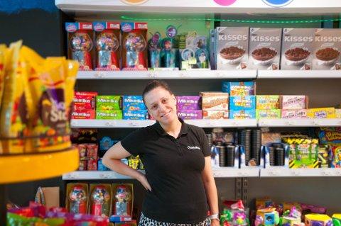 Daglig leder Veronica Rasmussen styrer den nye butikken på Bystasjonen.
