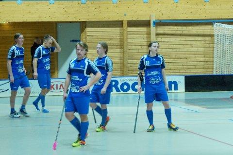 Skuffede Sarpsborg-spillere etter tapet mot Gjelleråsen.