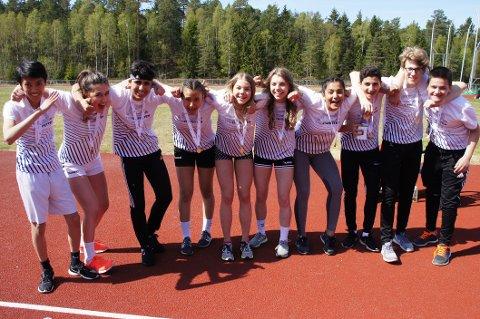 VINNERE: Elevene på 8. trinn fra Tindlund ungdomsskole var glade vinnere.