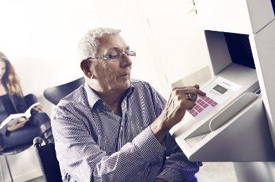 SELVBETJENT: Melin Medical driver blant annet betalingsterminalene som står på de fleste legekontor i Norge.
