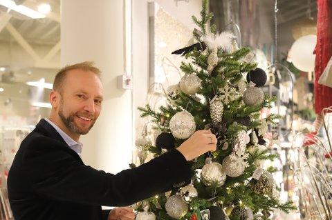 BESTE TIDEN: For Erik-André er julen synonymt med varme, hygge og inkludering, og er ikke i tvil om at det er den beste tiden på året.