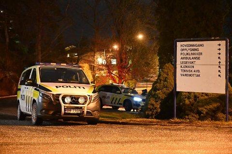 HØYT SMELL: Politiet rykket natt til tirsdag ut etter et høyt smell i Halden.