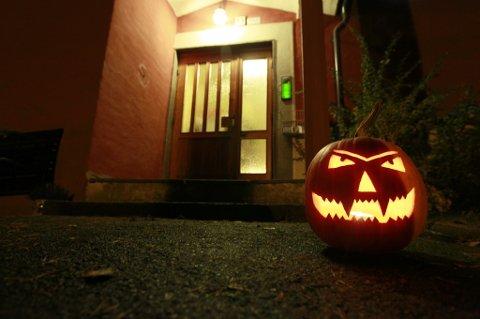Sju av ti familier med barn mellom 6 og 10 år feirer Halloween.