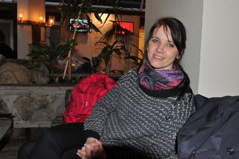 Spekter-direktør Anne Kari Bratten mener forslaget om sekstimers arbeidsdag er å spille hasard.