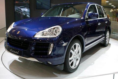 Luksusbiler som Porsche Cayenne blir atskillig billigere som følge av avgiftsendringene som gjelder fra nyttår.