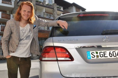 Da Mercedes åpnet for bestilling av den ladbare SUV-en GLE 500e, lot ikke norske kunder seg be to ganger. På én dag ble de 50 bilene som er bestilt til Norge revet bort. Det er kommunikasjonsdirektør i Mercedes Norge, Christoffer Nøkleby, godt fornøyd med.