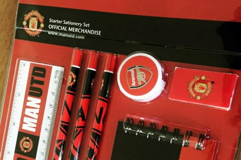 Arsenal-blyantspisseren passer ikke helt inn blant de andre effektene.