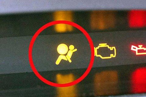Hvis air bag-lampen begynner å lyse, kan det være fare på ferde.