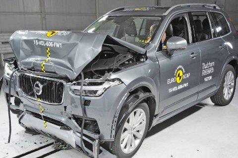 Slik ser det ut etter at Volvo XC90 har møtt veggen hos krasjtest-instituttet Euro NCAP. Det ender med svært godt resultatet for den store SUV-en.