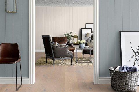Gulvet er en stor flate som må tas hensyn til i fargesettingen  det samme er farger i tilstøtende rom.