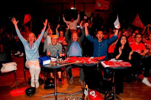 Det var jubel over skolevalget i leiren til Ap og AUF i Oslo tirsdag kveld.