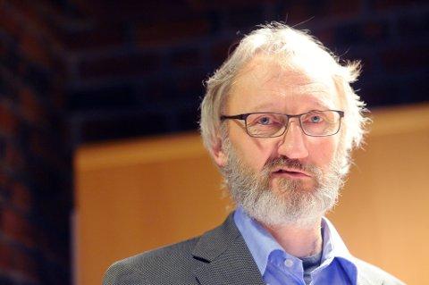 Valgforsker Anders Todal Jenssen tror alarmklokkene for lengst har begynt å ringe for Ap.