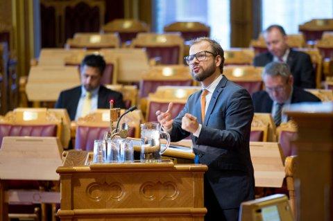 Oslo  20151215. Heikki Eidsvoll Holmås (SV) i Stortinget i Oslo tirsdag. Foto: Håkon Mosvold Larsen / NTB scanpix