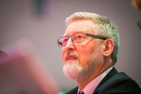LO-nestleder Tor-Arne Solbakken vil ikke diskutere pensjon i media, men ønsker å ta debatten i internt utvalg.