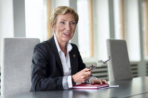 Førstesekretær i LO, Peggy Hessen Følsvik er bekymret for at det stadig blir mindre forskjell mellom jobb og privatliv.