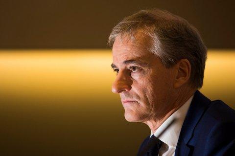 Ap-leder Jonas Gahr Støre mener regjeringen er på feil spor i skattepolitikken.