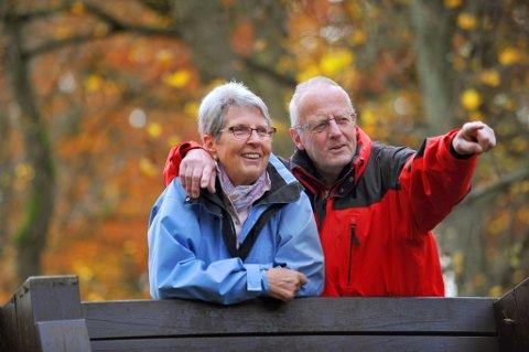Unio-leder Ragnhild Lied sier i en kommentar til rapporten at utfordringen ikke er å få noen få til å jobbe etter 72 år, men å få flere til å jobbe lenger opp i 60-årene.