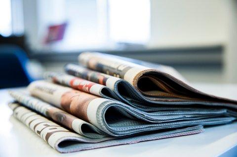 Det er fortsatt fullt kaos i ombæringen av lørdagsaviser, ifølge flere redaktører.