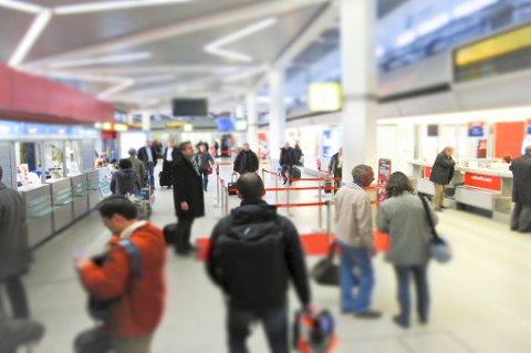 Skjøre verdisaker må pakkes i håndbagasjen når du skal ut å reise.