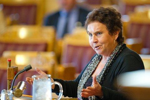 Tove Karoline Knutsen (Ap) sier at et statlig eldreombud ikke samsvarer med behovet i det ganske land.