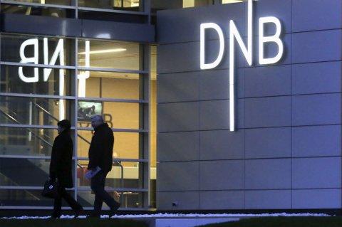 Trass i gode kvartalstall skal DNB kvitte seg med 600 årsverk og en rekke filialer.