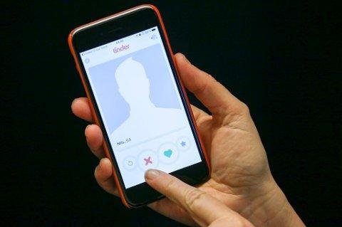 Forbrukerrådet går til kamp mot Tinders brukervilkår.