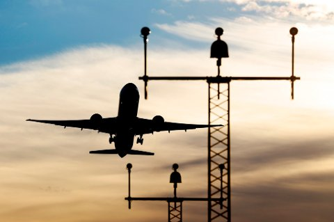 Ti nye flyplasser får fjernstyrte tårn.