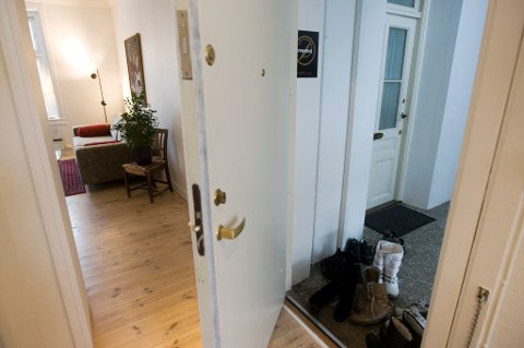 Cirka 400.000 nordmenn har tenkt seg på boligvisning denne våren.
