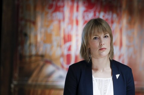 SV og partisekretær Kari Elisabeth Kaski vil justere kommunenes inntektsskatt.