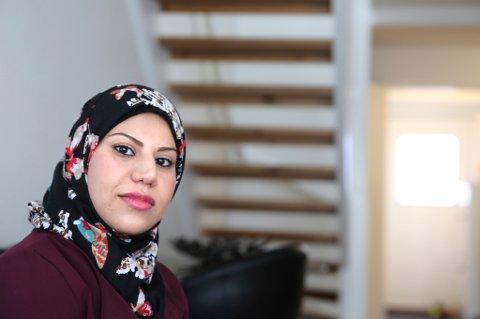 Irakiske Rasha Hussain Al-Shekh (31) er rammet av Norges dummeste regel, ifølge kunnskapsminister Torbjørn Røe Isaksen (H).