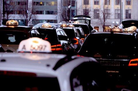 Regjeringenvil legge til rette for et effektiv og velfungerende drosjemarked.