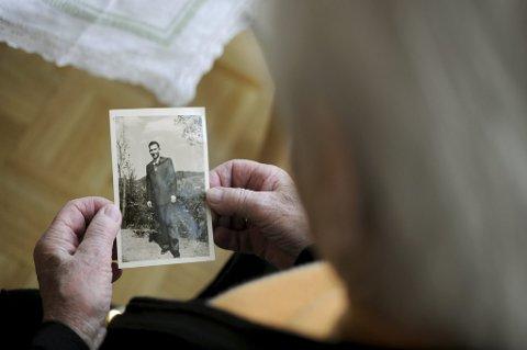 Frp ønsker å ivareta eldre som er enslige og mangler et apparat rundt seg.