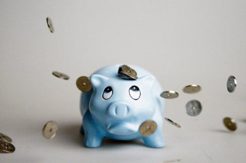 Den som sparer til pensjon, bør sjekke hvor store gebyrer det er på spareordningen, mener Forbrukerrådet. Onsdag lanserer de den nye tjenesten Gebyrsjekken.
