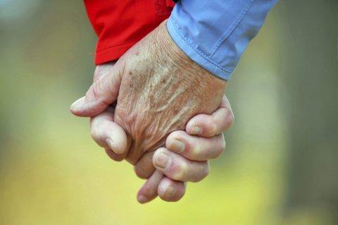 Det anslås at pårørende står for nesten halvparten av den samlede innsatsen i helse- og omsorgssektoren.