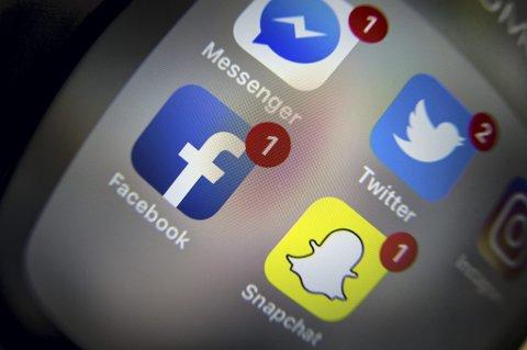 Nordmenn er opptatt av å gjøre et godt språklig inntrykk i sosiale medier, ifølge en ny undersøkelse.