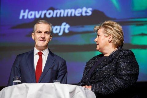 Statsminister Erna Solberg og leder i Arbeiderpartiet Jonas Gahr Støre deltar på årets første valgdebatt under Nord i Sør konferansen i Oslo. Støre utelukker ikke et kompromiss om Lofoten-olje.