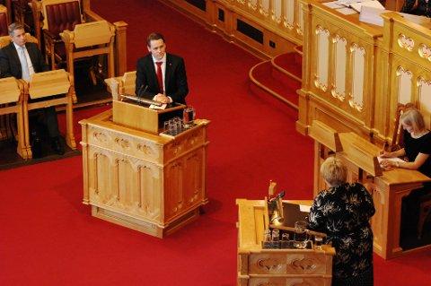 Arbeiderpartiets Fredric Holen Bjørdal gikk rett i strupen på Venstre-leder Trine Skei Grande.
